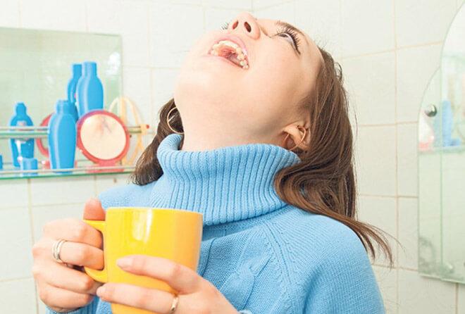 Полоскание при болях в горле