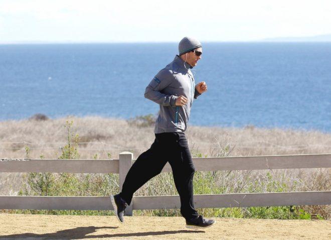 Можно ли заниматься мужчине спортом перед эко